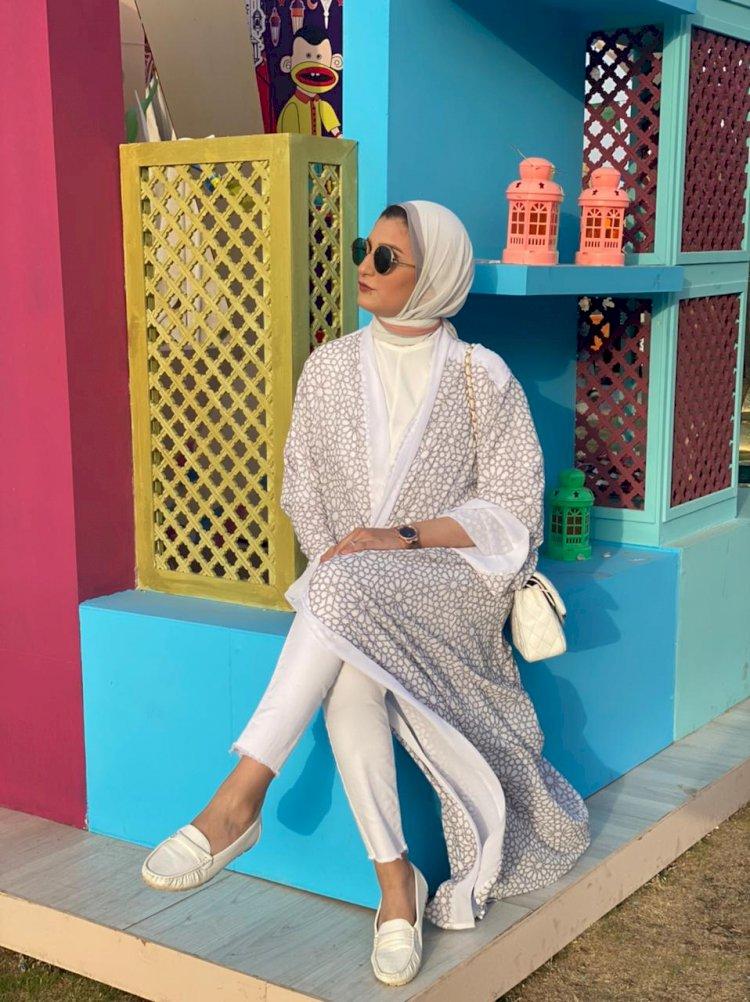 خبيرة الموضة شيرين هاني توجه نصيحة للنساء: لا تخافي من ارتداء اللون الأبيض