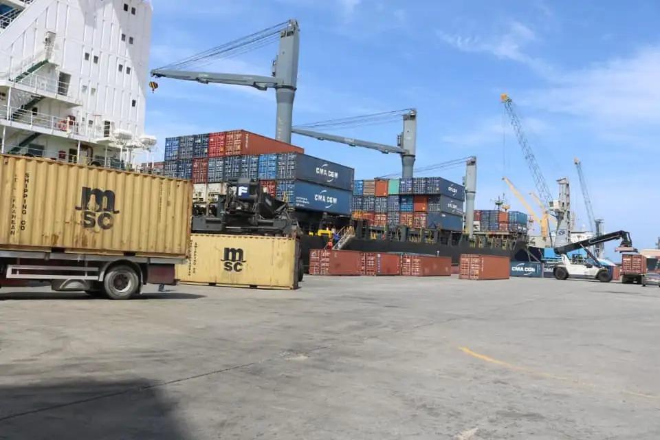 ميناء مصراتة يستعد لاستقبال عددًا من السفن التجارية