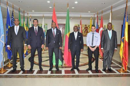 وزير خارجية بنين يؤكد دعم بلاده لتحقيق الاستقرار في ليبيا