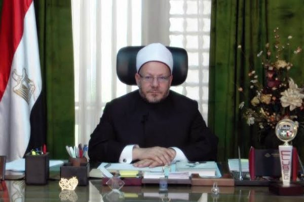 مفتي الجمهورية ينعى المشير محمد حسين طنطاوي وزير الدفاع السابق