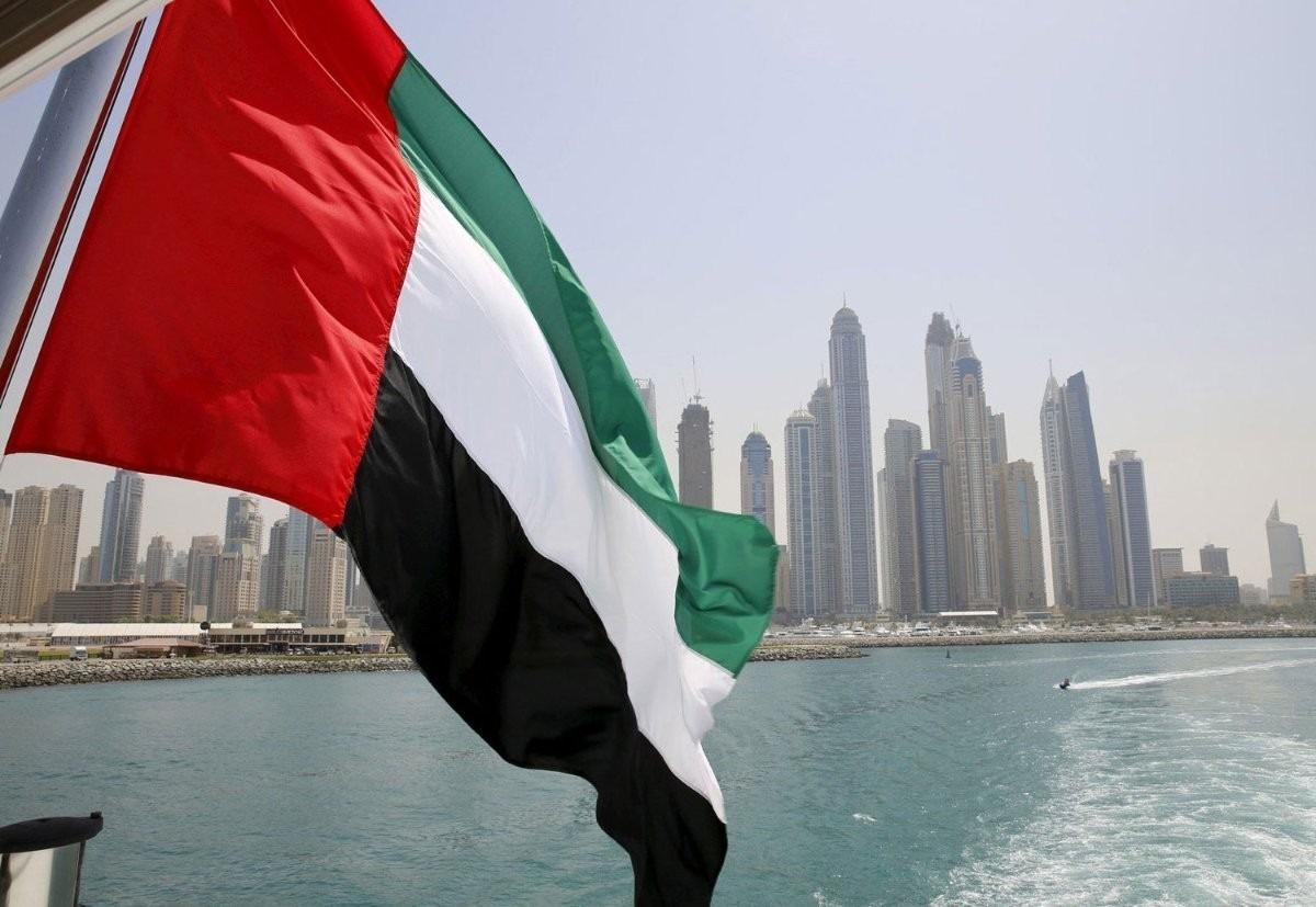 الإمارات تعلن إيقاف العمل بإجراءات متعلقة بكورونا